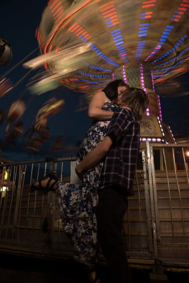 Edmonton-Carnival-Engagement-Mini-Session-Calgary--005