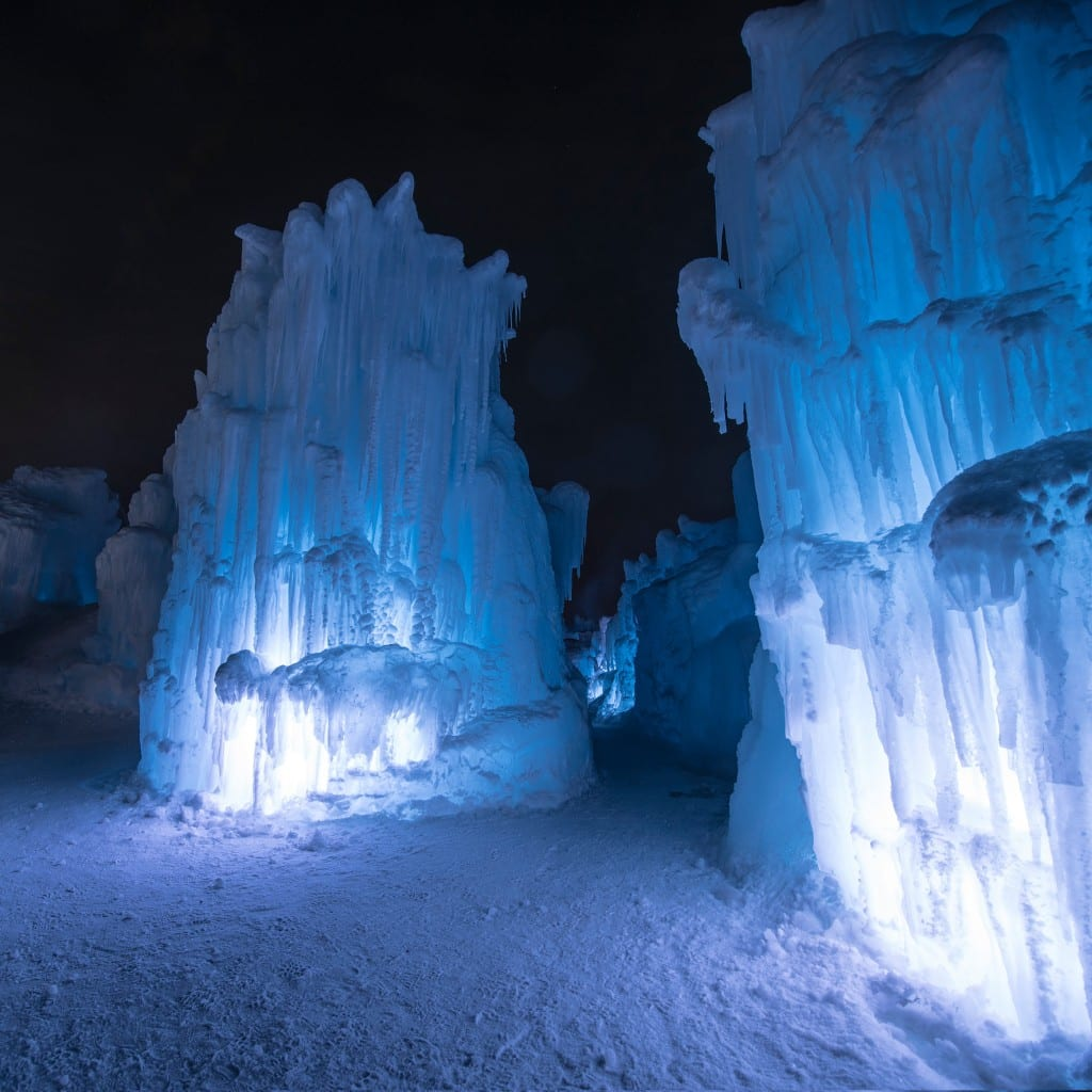 Winter Activities Canada Edmonton Ice Castles Visit Hawrelak Park-tourism icicle pillars